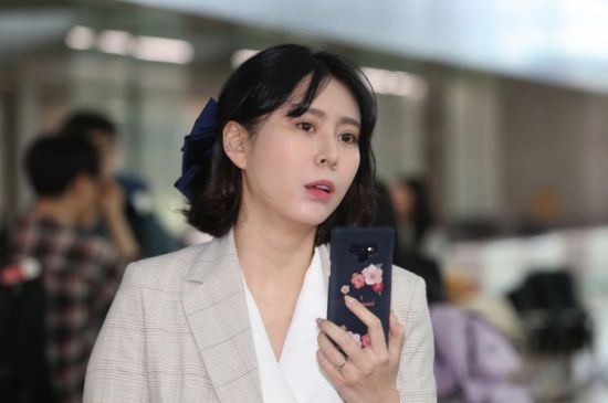 """'인터폴 적색수배' 윤지오 """"자살 생각하거나 무너지지 않을 것"""""""