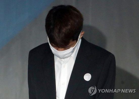 """""""유리 팬들에게 미안하다"""" '유리 오빠' 권 씨 10년·정준영 7년·최종훈 5년 구형"""