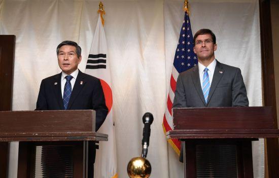 美국방장관, 주한미군 감축 시사 파장
