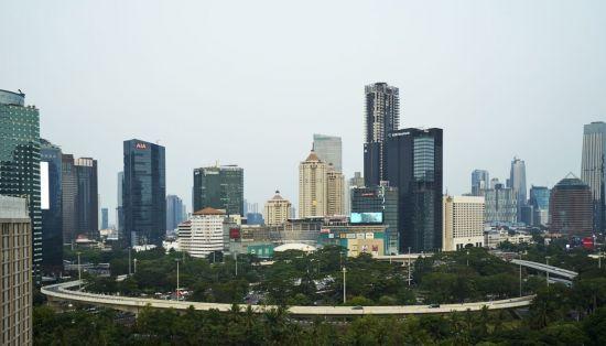 동남아 최고 규제장벽·현지 대형銀과 경쟁…급할수록 천천히