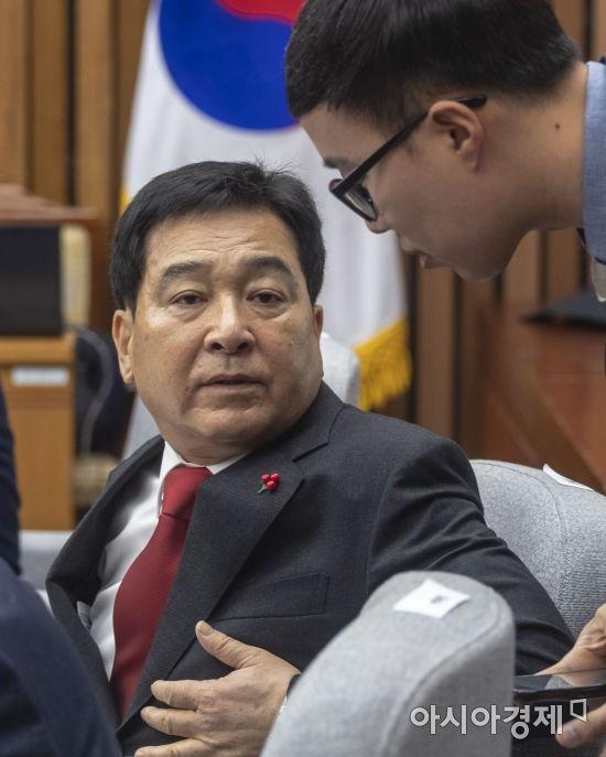 """한국당 """"대통령 기자회견 '전파 낭비'…역사상 가장 무능"""""""