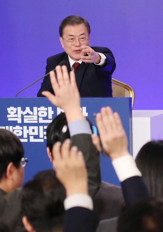 """文 '부동산 추가대책' 예고…전문가 """"예상 범위 넘을 수도"""""""