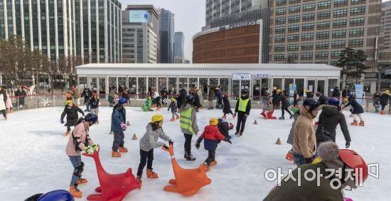 [포토] '설 연휴에도 스케이트'