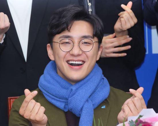 """[종합]""""성노리개 취급했다""""…與 영입 원종건 '미투' 논란"""
