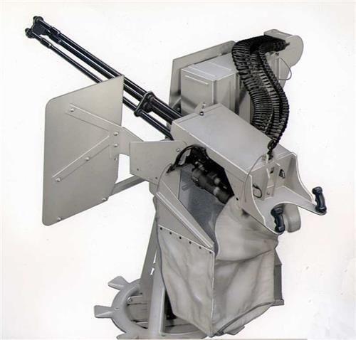 2016년에는 북한 해군이 서해 북방한계선(NLL) 인근에 배치한 초계정 등에 미국산 '개틀링 기관총'을 탑재하기 시작한 것이 알려지기도 했다.
