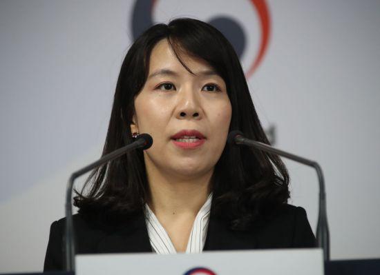 """통일부 """"코로나 남북 방역협력 필요…종합적 고려중"""""""