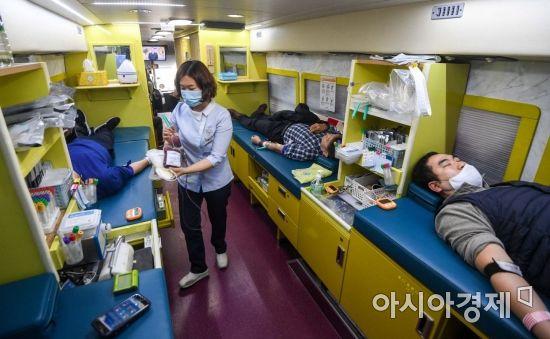 코로나19 진단검사 누적 8700명 돌파…708명 검사중