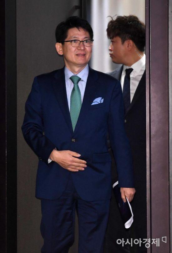 [포토] 간담회 참석하는 강성부 대표