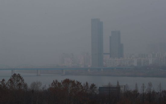'코로나 대응 담당' 30대 법무부 공무원, 동작대교서 투신해 사망