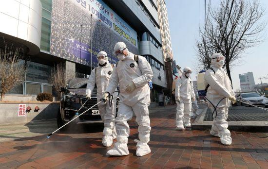 신천지, '코로나 대유행 국면'에 중국인 신도 누락…왜?