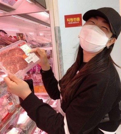 """[골프포토] 김아림 """"장타 비결은 소고기?"""""""