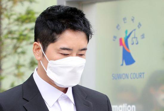 '성폭력' 강지환, 53억 배상 위기