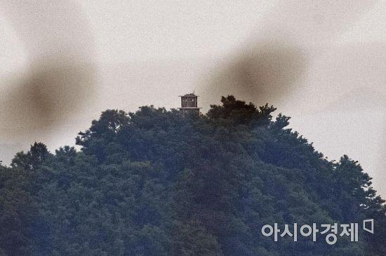 '6·30' 1주년 조용한 靑…'사상누각' 남북관계 해법 고심