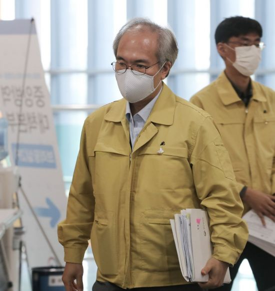 韓 백신 컨트롤타워는 왜 선진국 '사재기'를 비판했나
