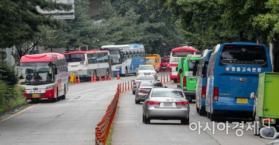 [포토]탄천주차장 빠져나온 버스