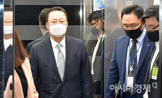 [포토] 국회 찾은 박용만 회장
