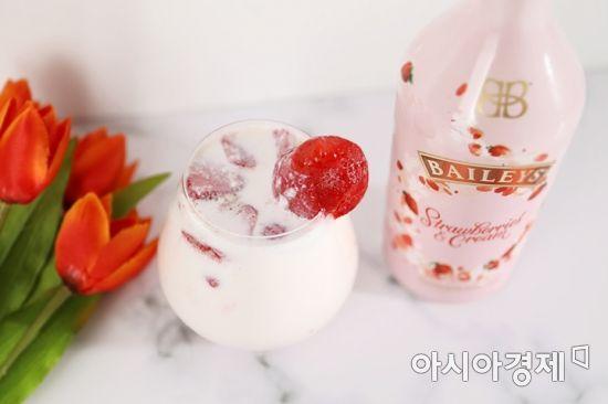 [드링킷] 달콤한 '베일리스 딸기' 황금 비율은?