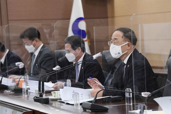 """홍남기 """"4분기 경기상황 관리 및 대응에 총력 기울이겠다"""""""
