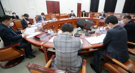 민주당, 정보위 소위서 대공수사권 이관 국정원법 개정안 단독의결 (종합)
