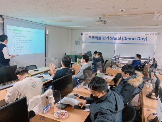 아시아경제 교육센터 '인공지능 프로젝트 발표회(demo-day)' 개최