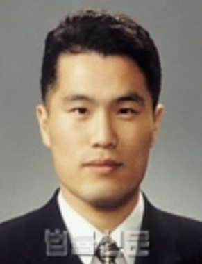 윤석열 총장 사건 심리 맡은 홍순욱 부장판사는 누구?