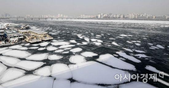 [포토]결빙과 폭설이 만든 절경