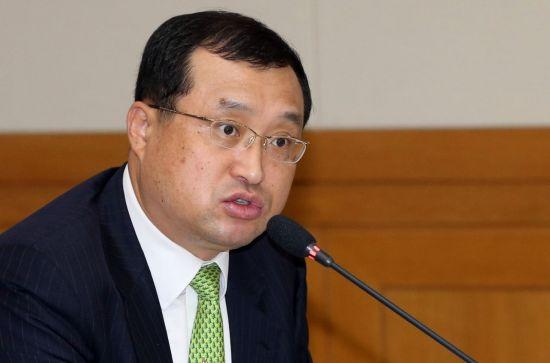 임성근 판사, 탄핵심판 사건 주심 이석태 헌법재판관 기피 신청