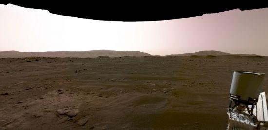 """""""정말 황량하고 텅 빈 세계같다"""" NASA 탐사선이 보내 온 '화성의 황야' 사진"""