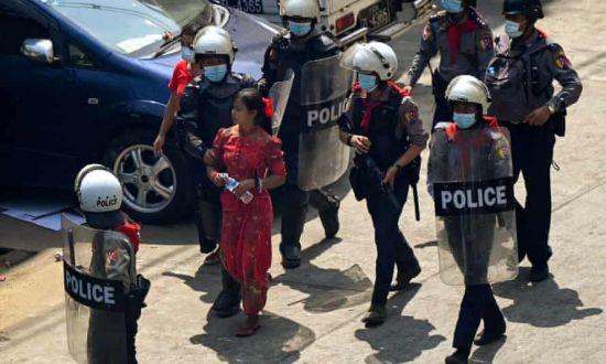 미얀마 민주주의를 외치는 한 달 … 약 770 명이 총격과 폭력 진압 혐의로 체포