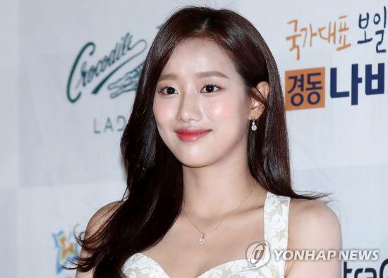 이나은 '고영욱 관련 부당한 발언은 합성 사진' '해피 미투'폭발