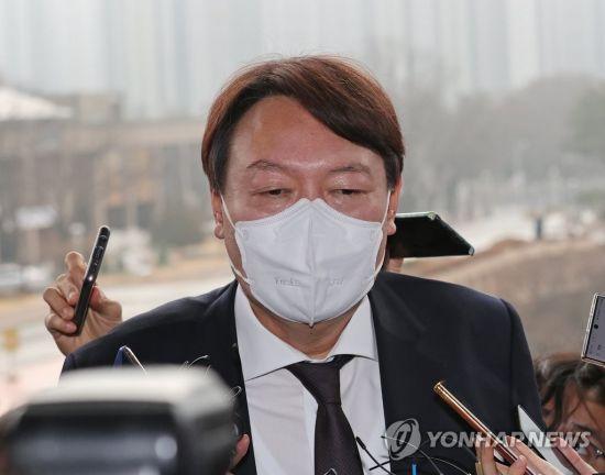 """윤석열 """"검찰 폐지는 법치 말살… 민주주의의 퇴보이자 헌법 정신의 파괴"""""""