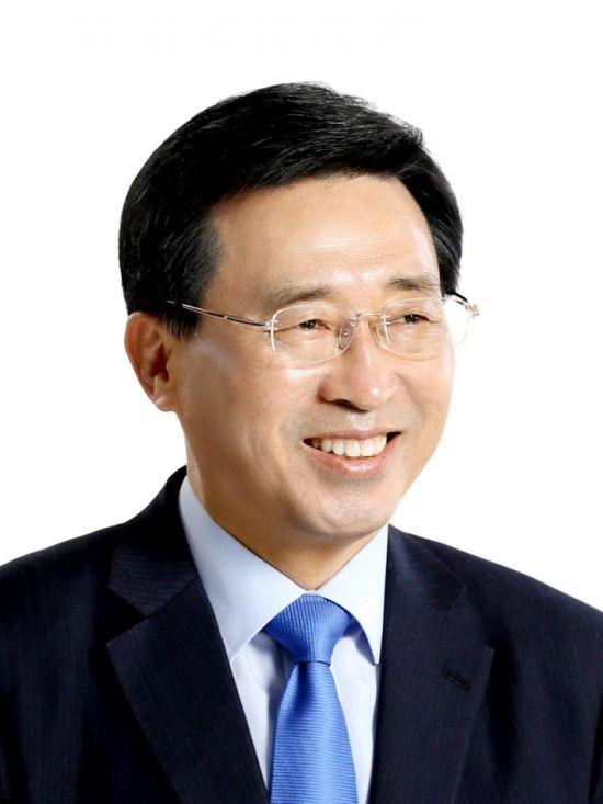 김춘진 aT 사장, 정세균 총리에 '새만금 식량 비축시설 설비안' 보고