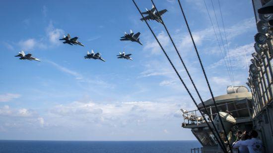 美, 남중국해서 말레이 공군과 합동훈련·대만해협 통과...中에 무력과시