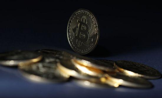 """마진거래로 몰려드는 가상화폐 투자자들…전문가 """"매우 위험해"""""""