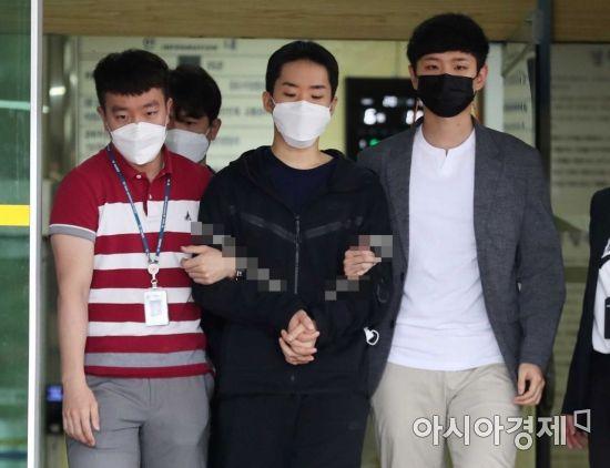 1300명 나체 영상 유포 '제2 n번방' 김영준 檢 송치…얼굴 공개