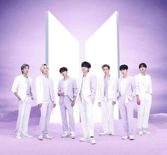 방탄소년단, 日 베스트 앨범으로 오리콘 데일리 앨범 차트 이틀째 1위