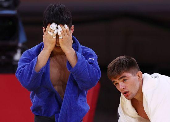 유도 간판 안바울, 주특기 업어치기로 동메달…세계 1위 꺾고 눈물
