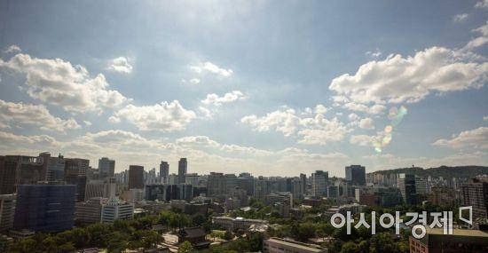 [포토]맑은 하늘 펼쳐진 도심