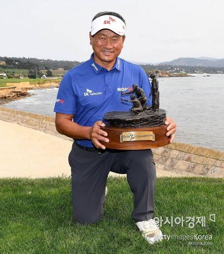 """최경주 """"내가 한국인 최초 시니어 챔프"""""""