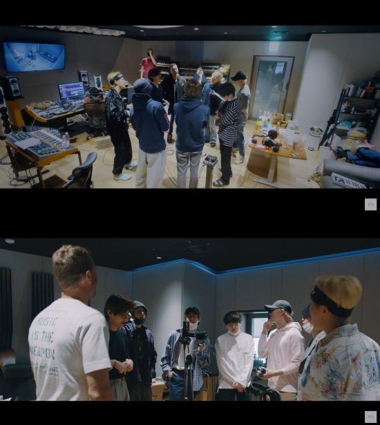 방탄소년단, 콜드플레이 협업곡 'My Universe' 작업 과정 담은 다큐멘터리 공개