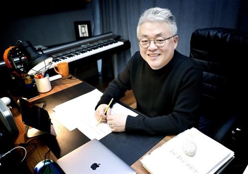 """작곡가 김형석 """"퇴직금 감당 못해 대리 없어질 듯""""… 곽상도 子 '공개저격'"""